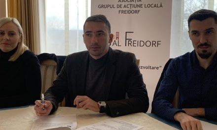 Conducerea GAL Freidorf s-a întâlnit cu dascălii din zonă pentru prezentarea ofertei de finanțare